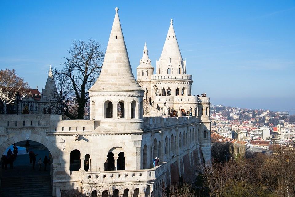 Budapest, Látnivalók, Bastei, Építészeti, Duna, Épület
